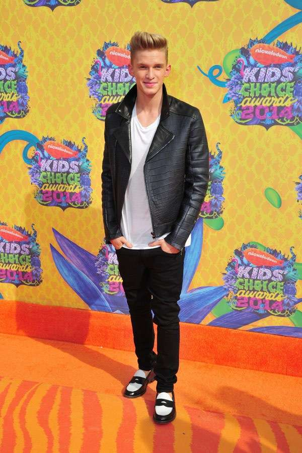 Kids Choice Awards 2014 look red carpet - Cody Simpson