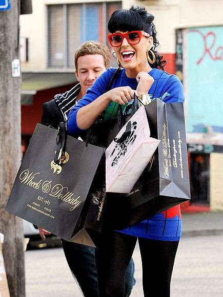 Katy Perry shopping