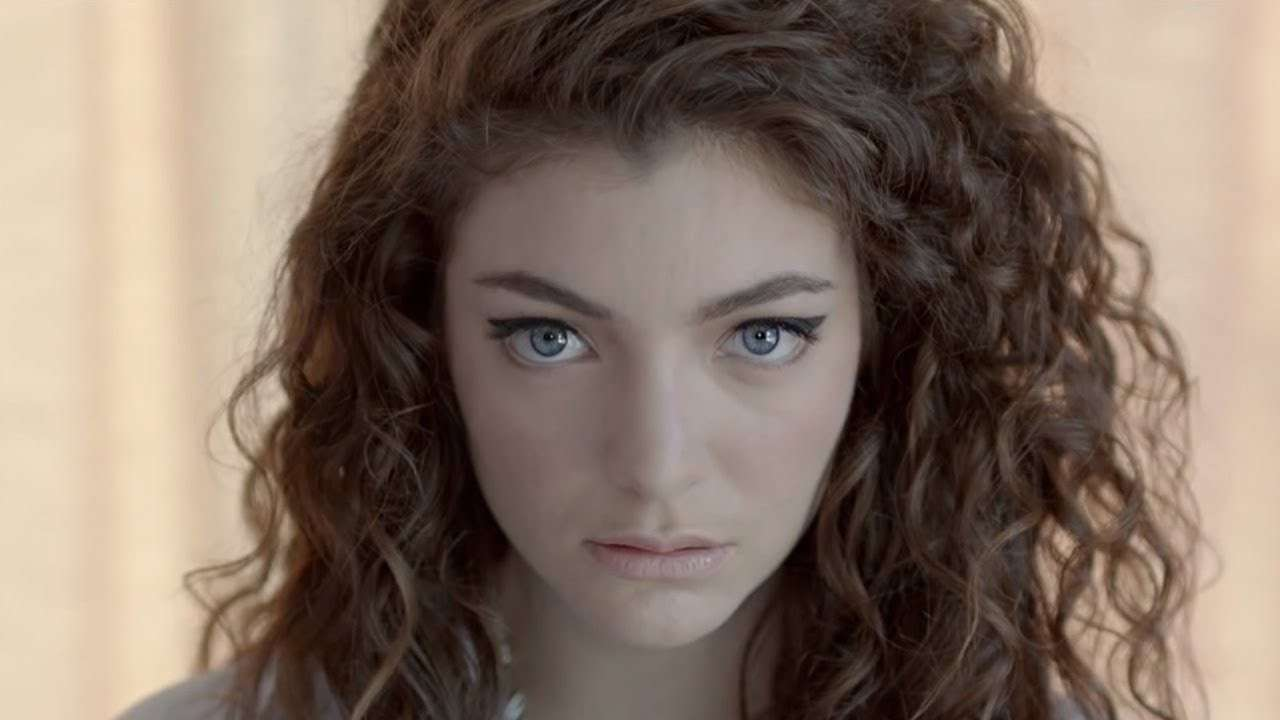 Lorde in Royals