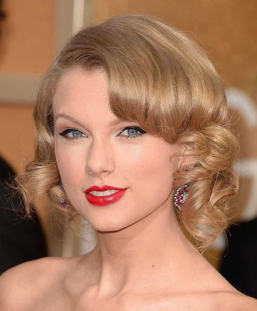 Taylor Swift romantica