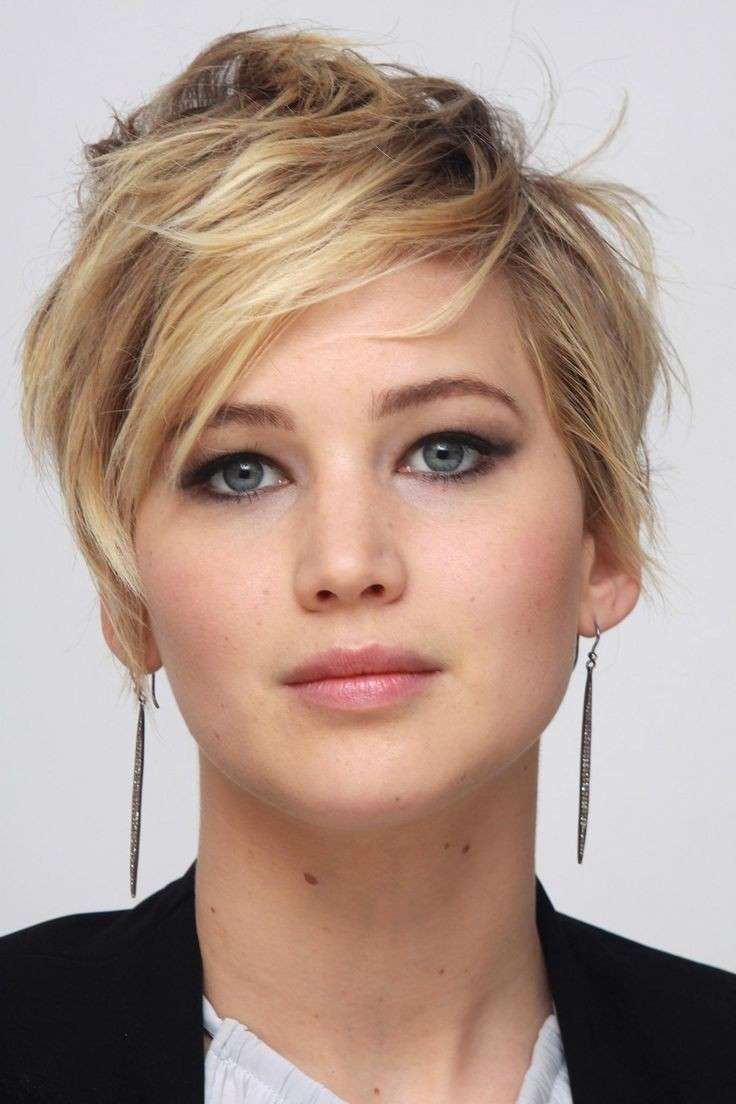 Jennifer Lawrence spettinata