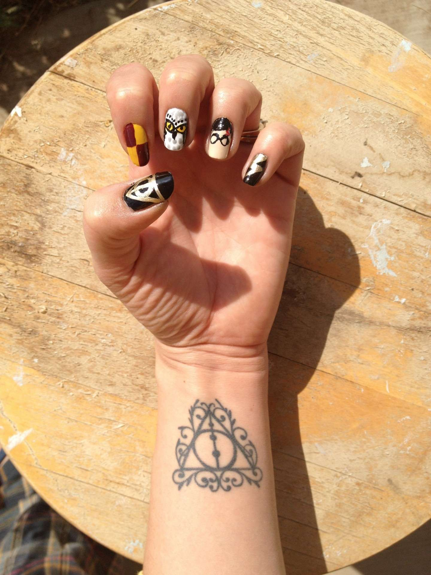 Harry nail art