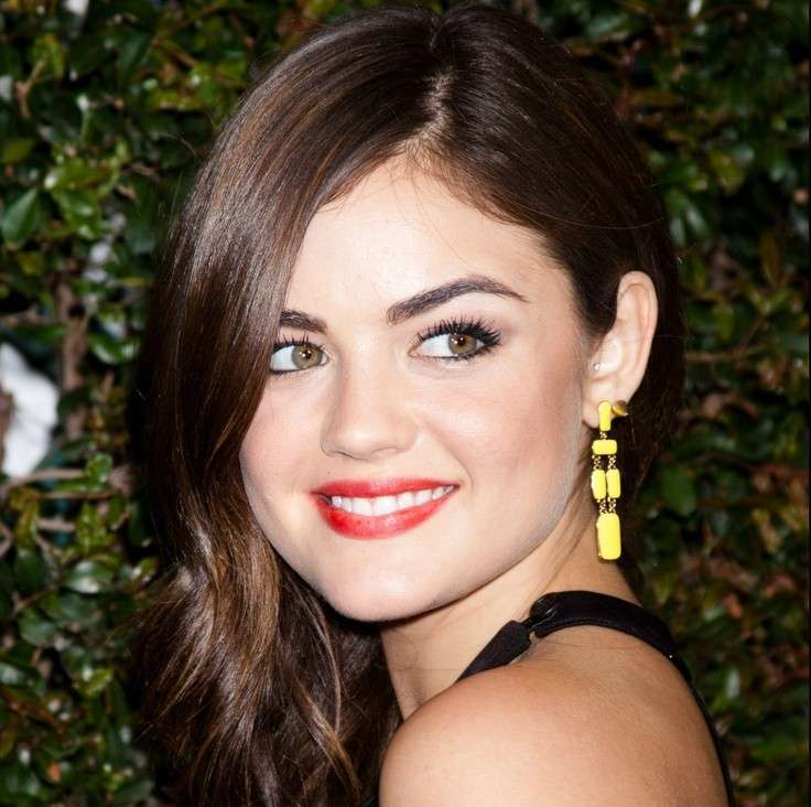 Lucy Hale rossetto