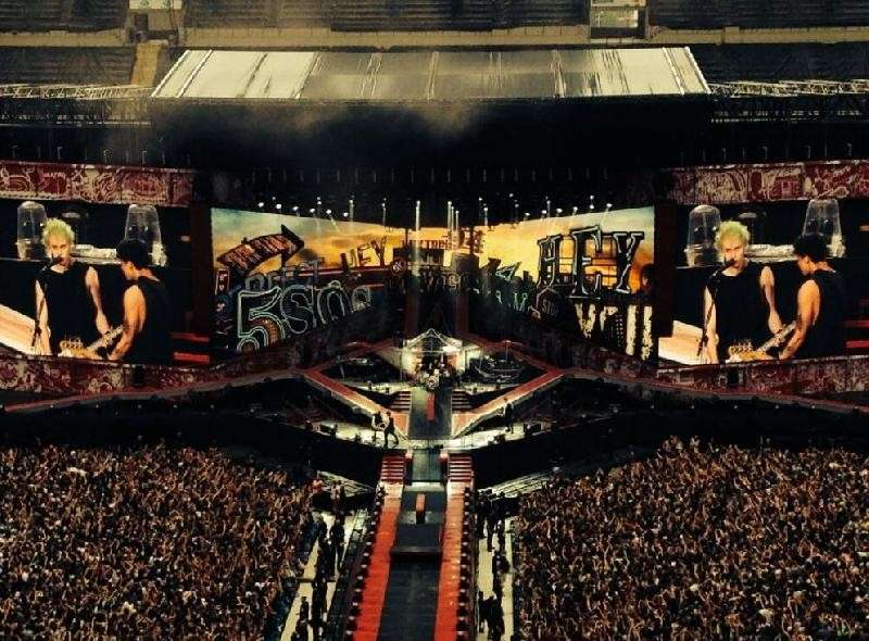 One Direction WWAT San Siro Milano - 5SOS