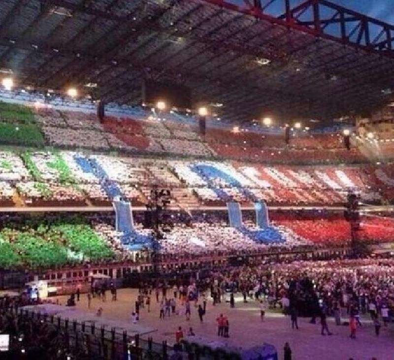 One Direction WWAT San Siro Milano - Fan Action
