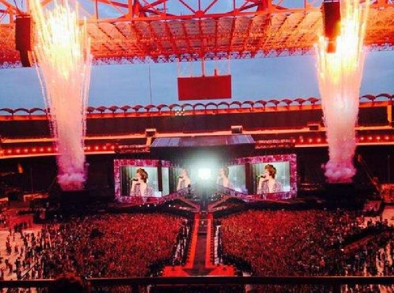 One Direction WWAT San Siro Milano - Fuochi d