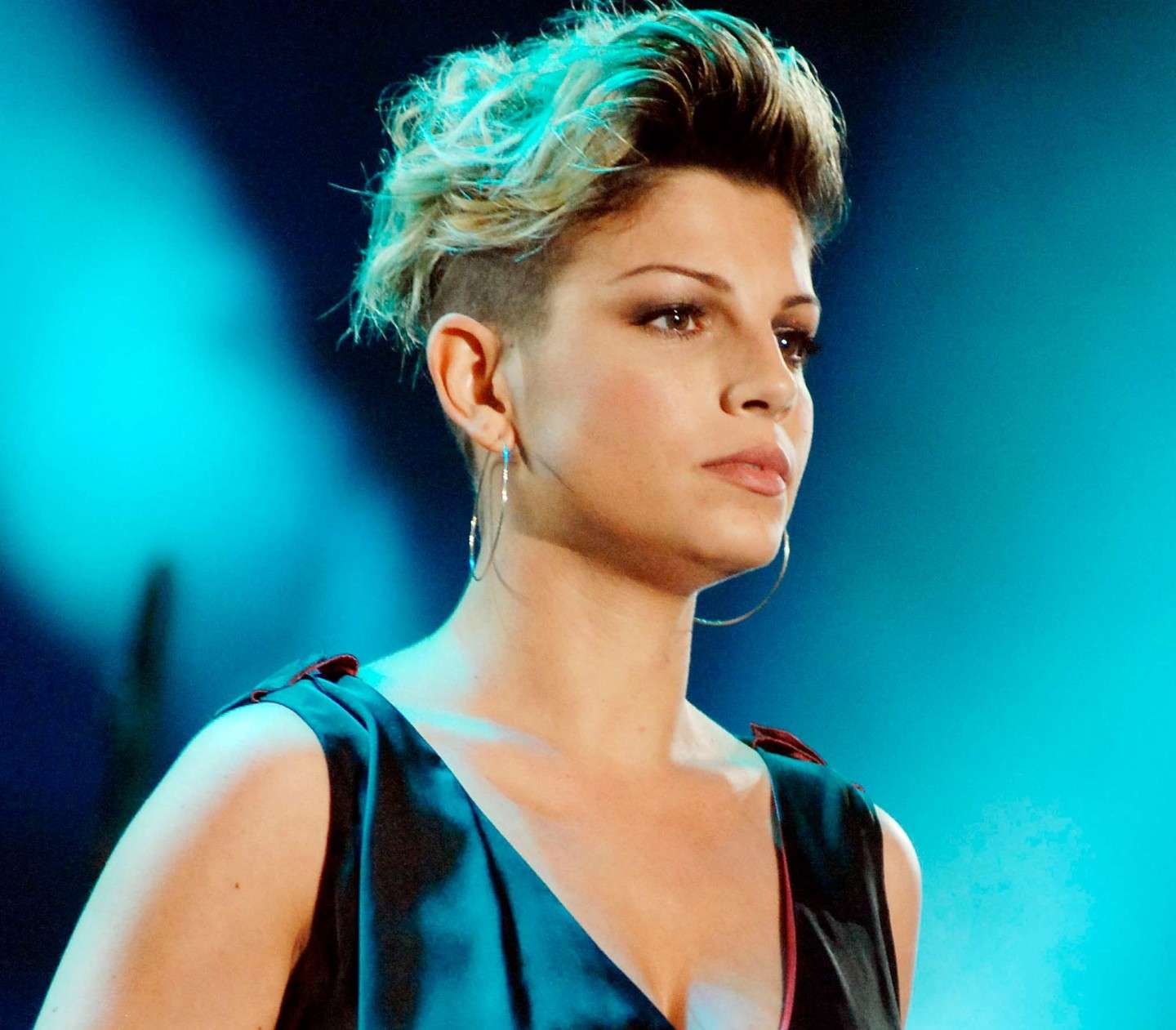 Emma Marrone hairstyle