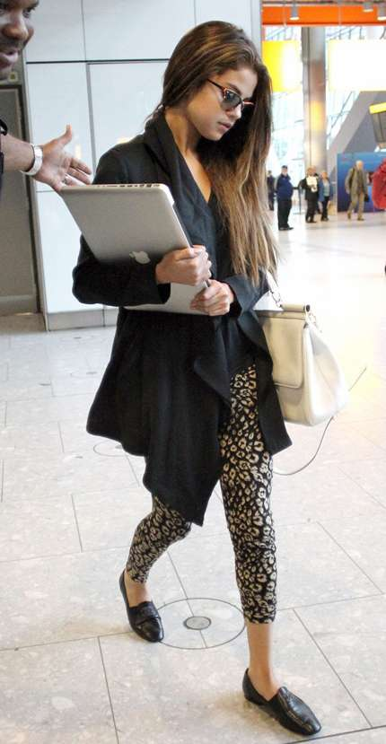 Selena Gomez Macbook