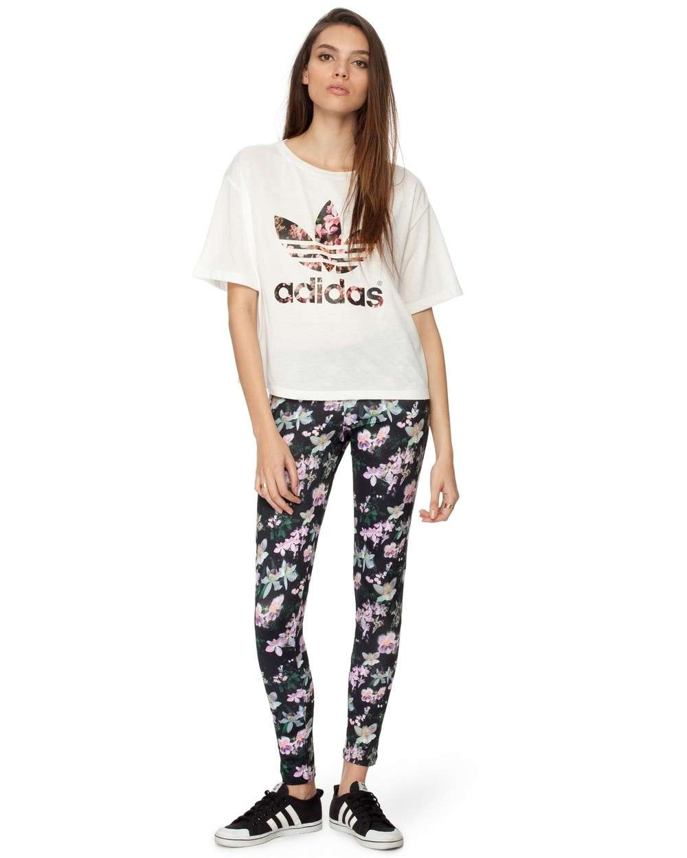 T-shirt adidas e leggings