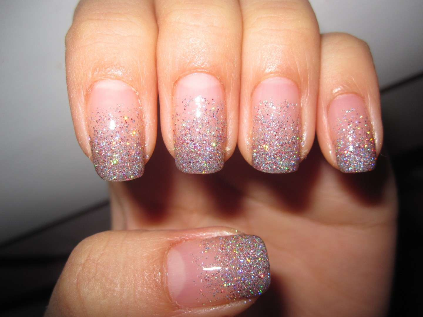 Nail art con brillantini