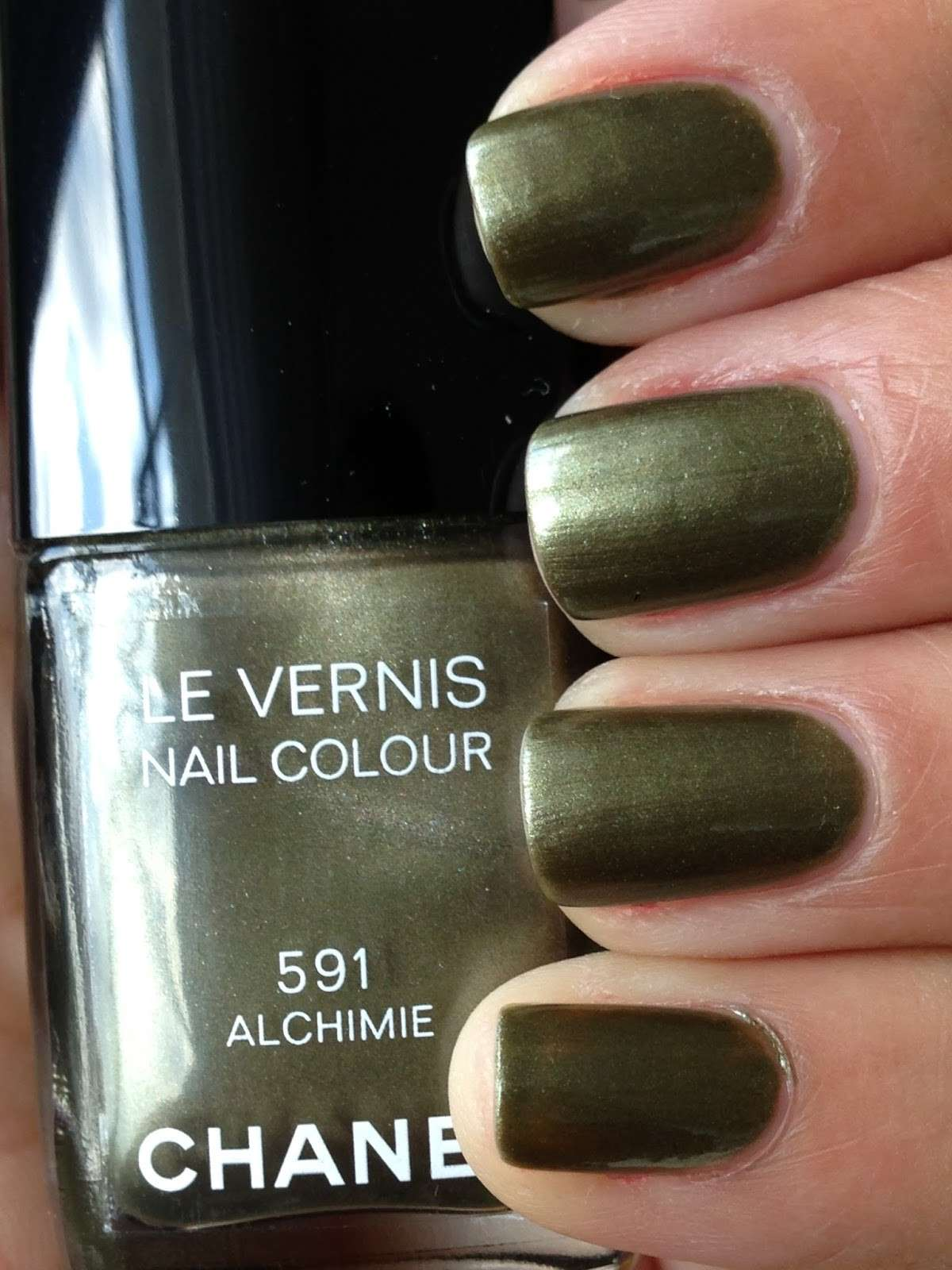 Smalto Chanel verde bosco