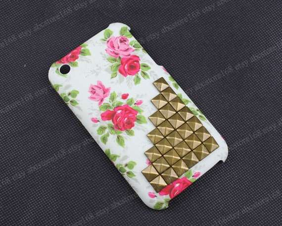 Cover floreale per iphone con borchie