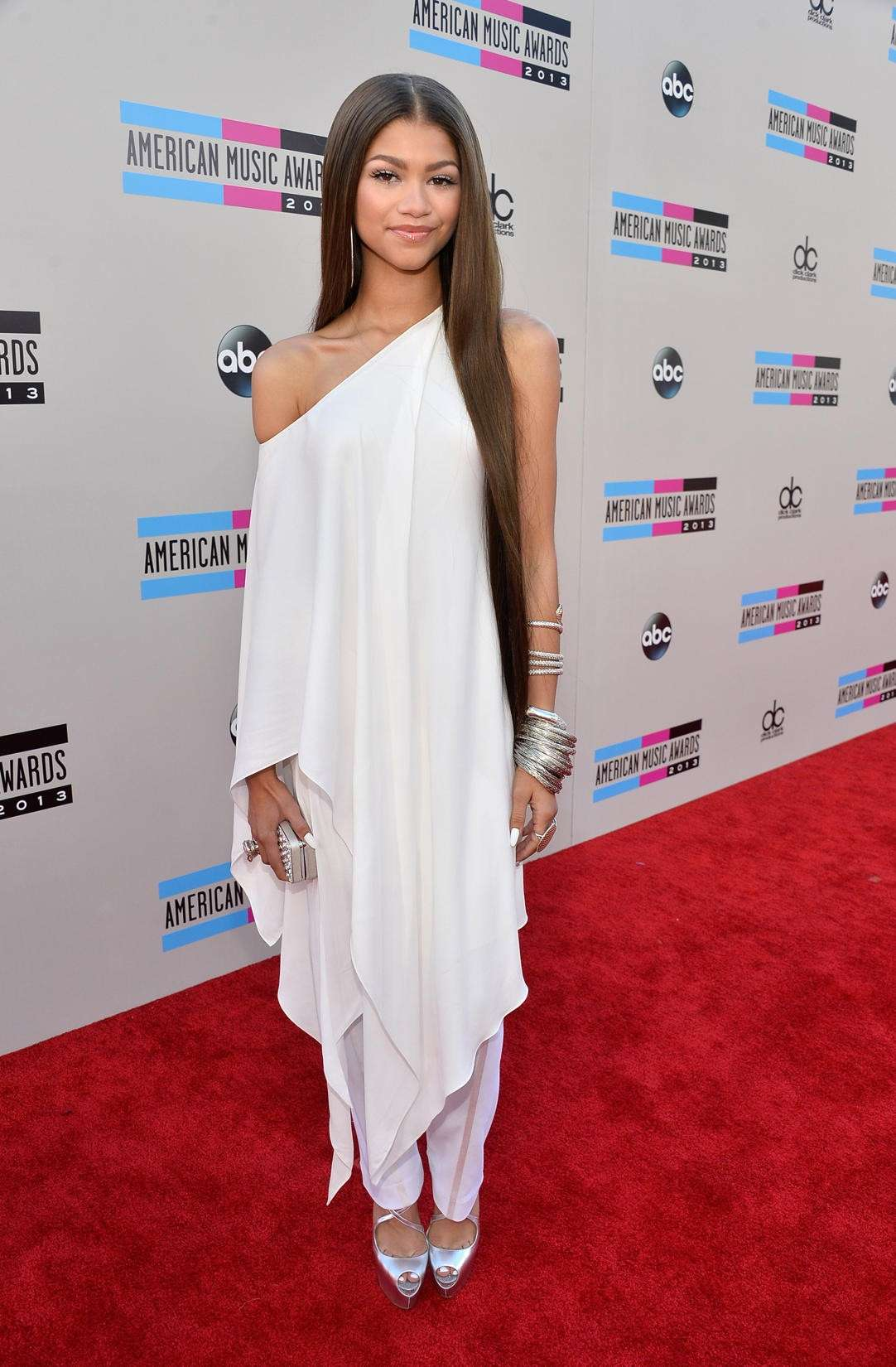 Zendaya in total white