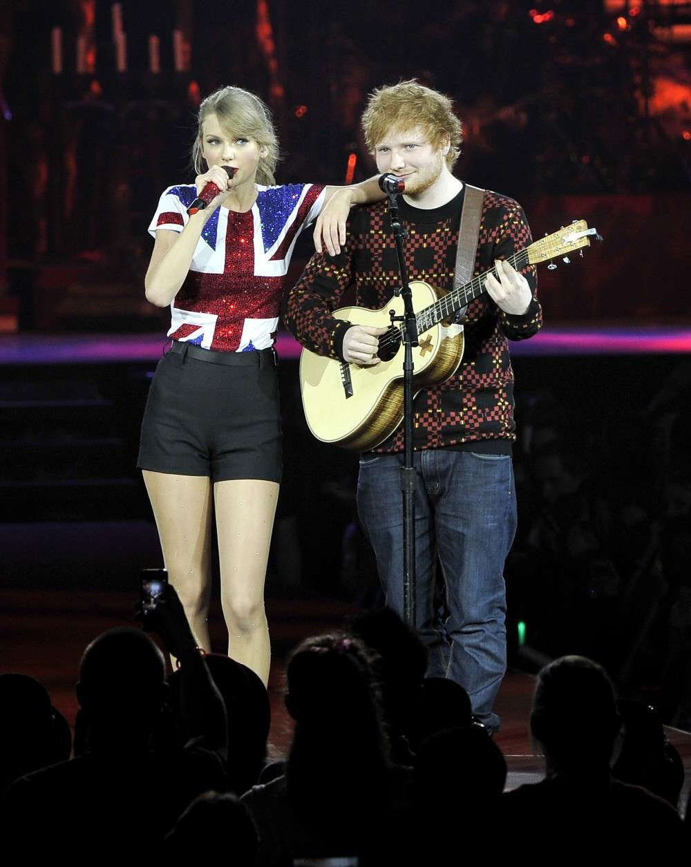 Ed Sheeran sul palco con Taylor Swift