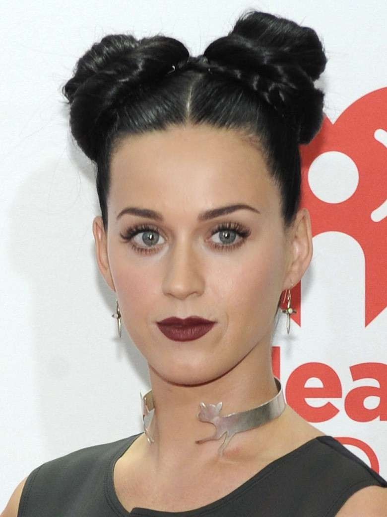 Katy Perry con due chignon