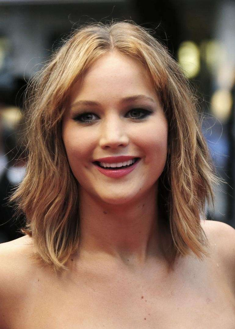 Jennifer Lawrence con il long bob mosso