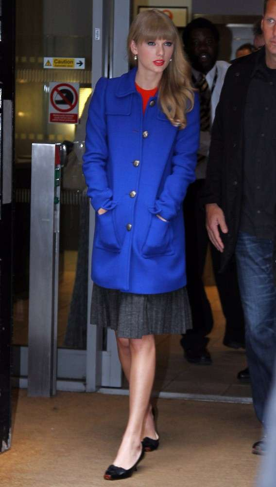 Star con il cappotto: Taylor Swift