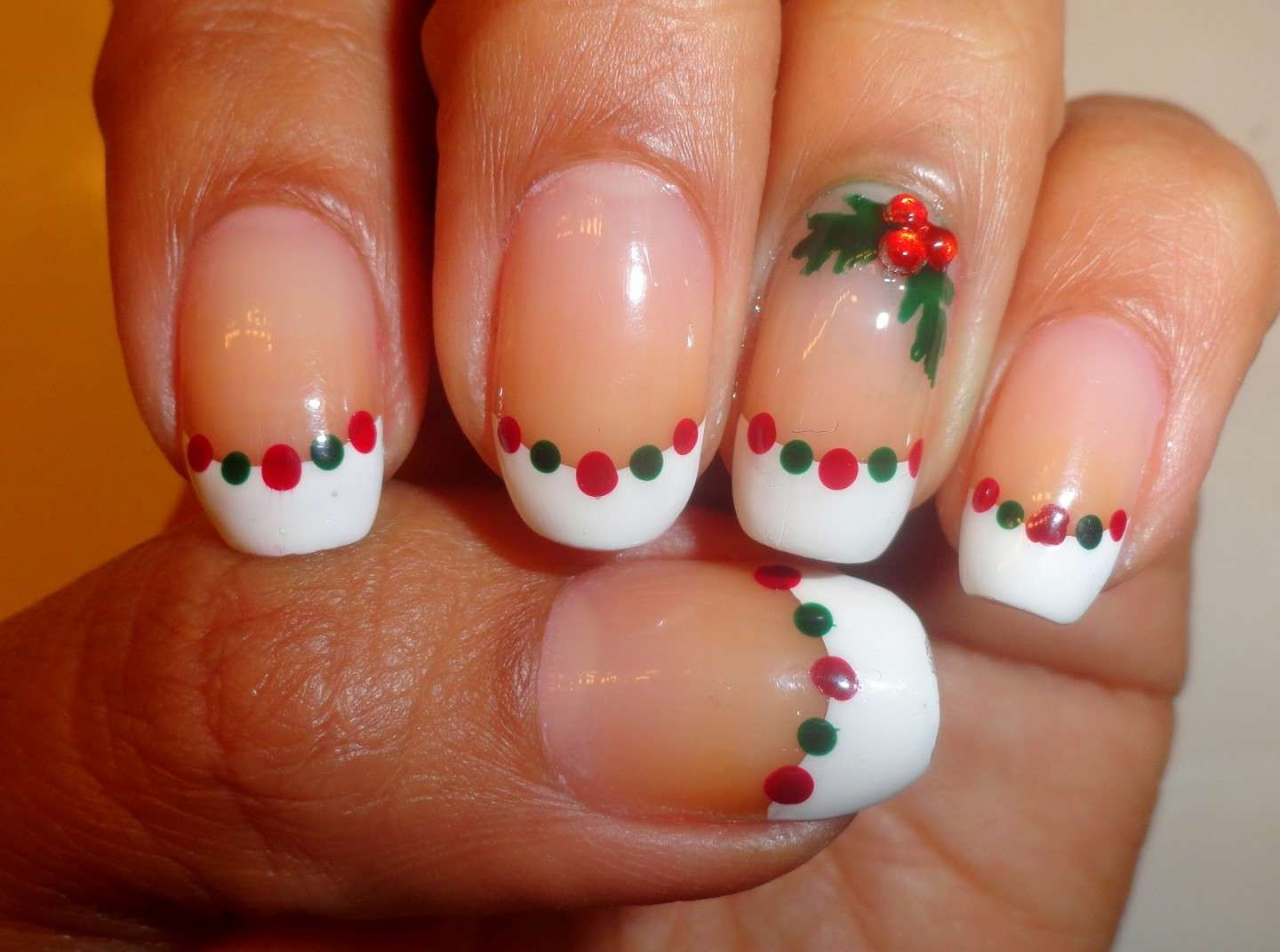 French manicure con vischio