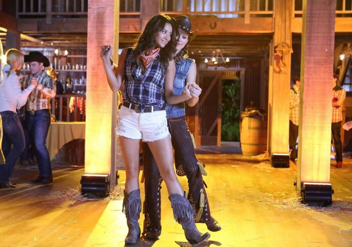 Look country di Emily Fields