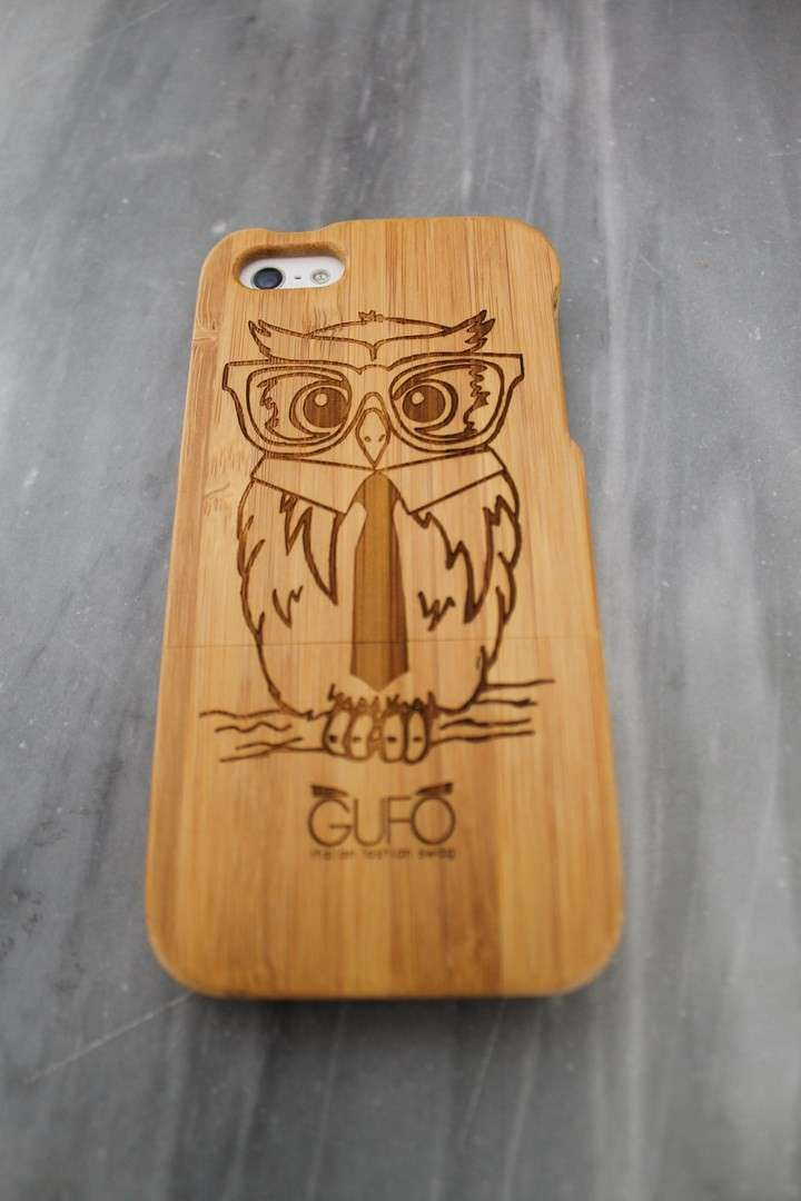 Cover con gufo in legno per Iphone