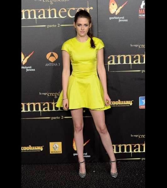 Kristen con mini dress giallo alla premiere di he Twilight Saga Breaking Dawn - Parte 2 a Madrid