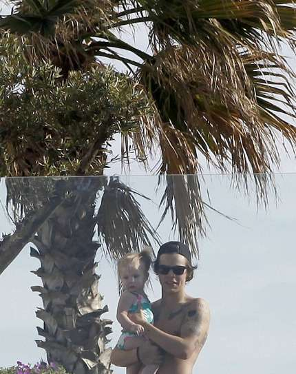 Harry Styles Spagna relax con Lux!