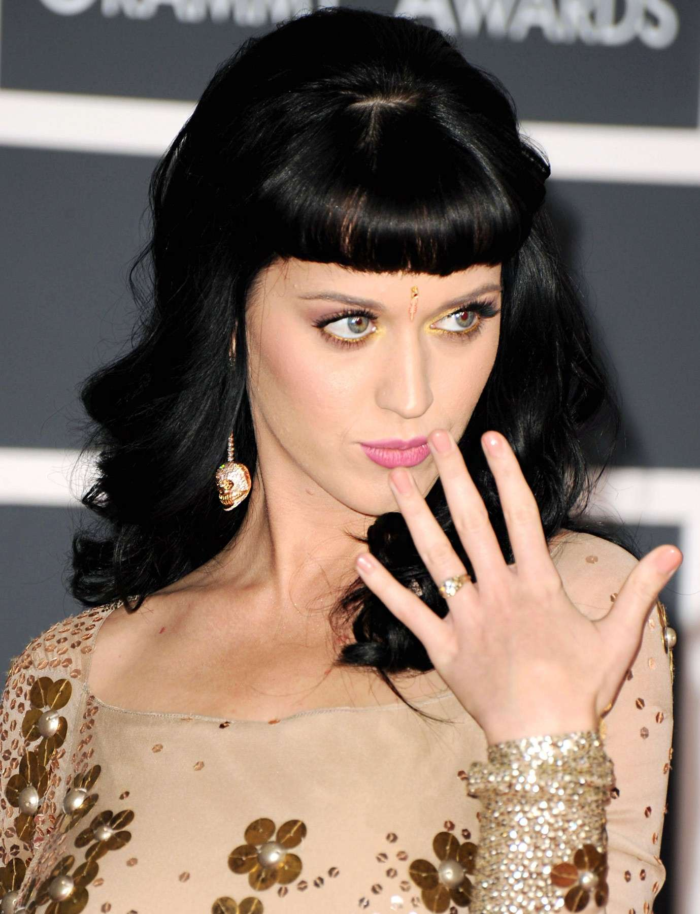 Katy Perry con anello
