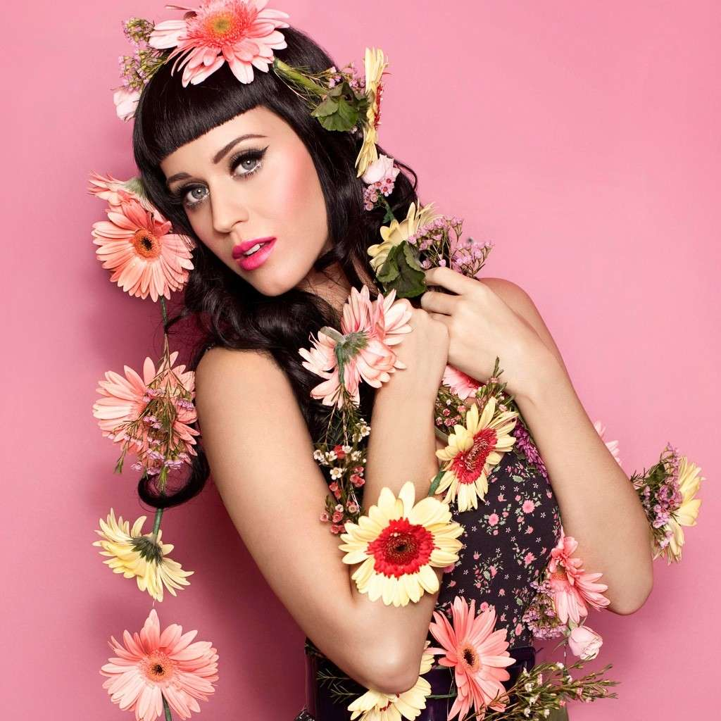 Katy Perry con i fiori