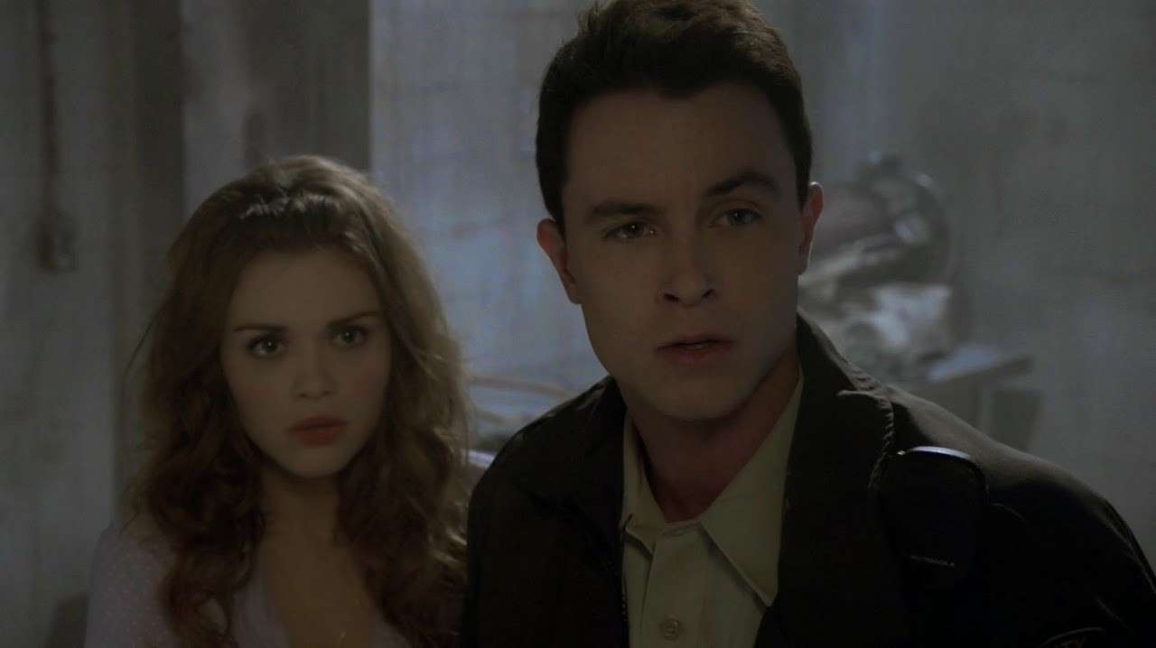 Ryan Kelley ed Holland Roden sul set