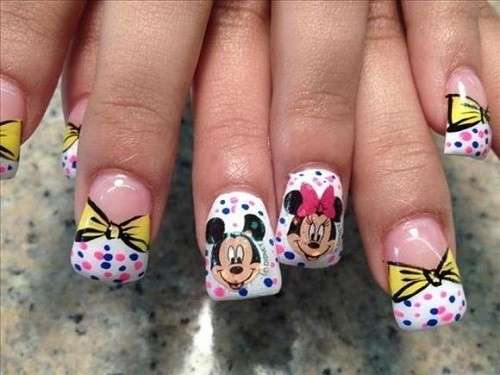 Divertente nail art di Minnie
