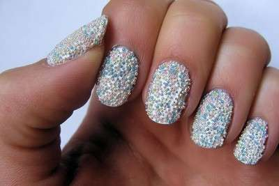 Nail art silver con microperle