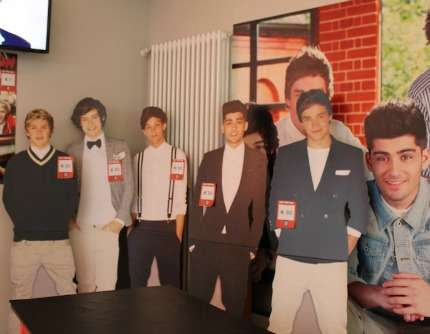 1D World Temporary Store Milano:sagome