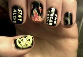 Stay alive nails