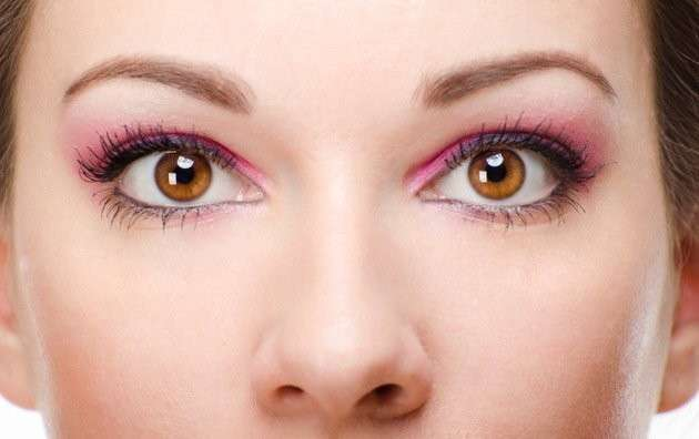 Makeup rosa per occhi marroni