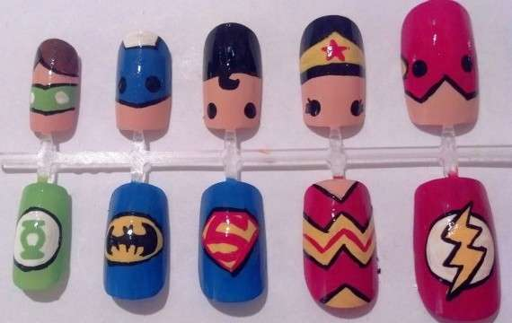 Gli sticker nails di The Avengers