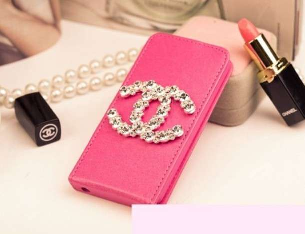 Cover Chanel con brillanti