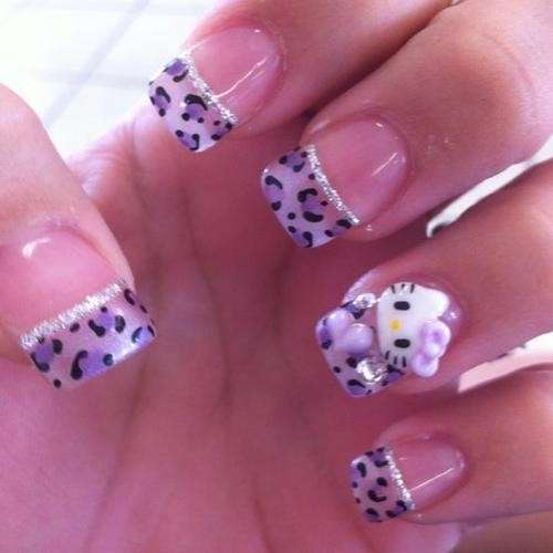 French manicure animalier di Hello Kitty