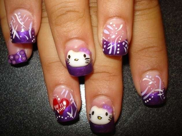 French manicure viola di Hello Kitty