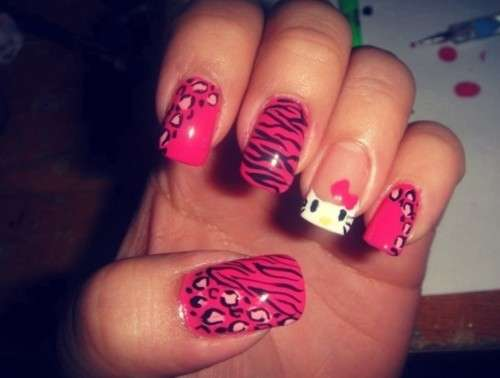 Nail art animalier di Hello Kitty