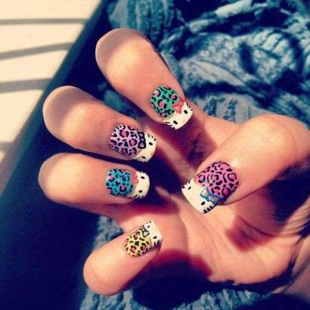 Nail art di Hello Kitty animalier