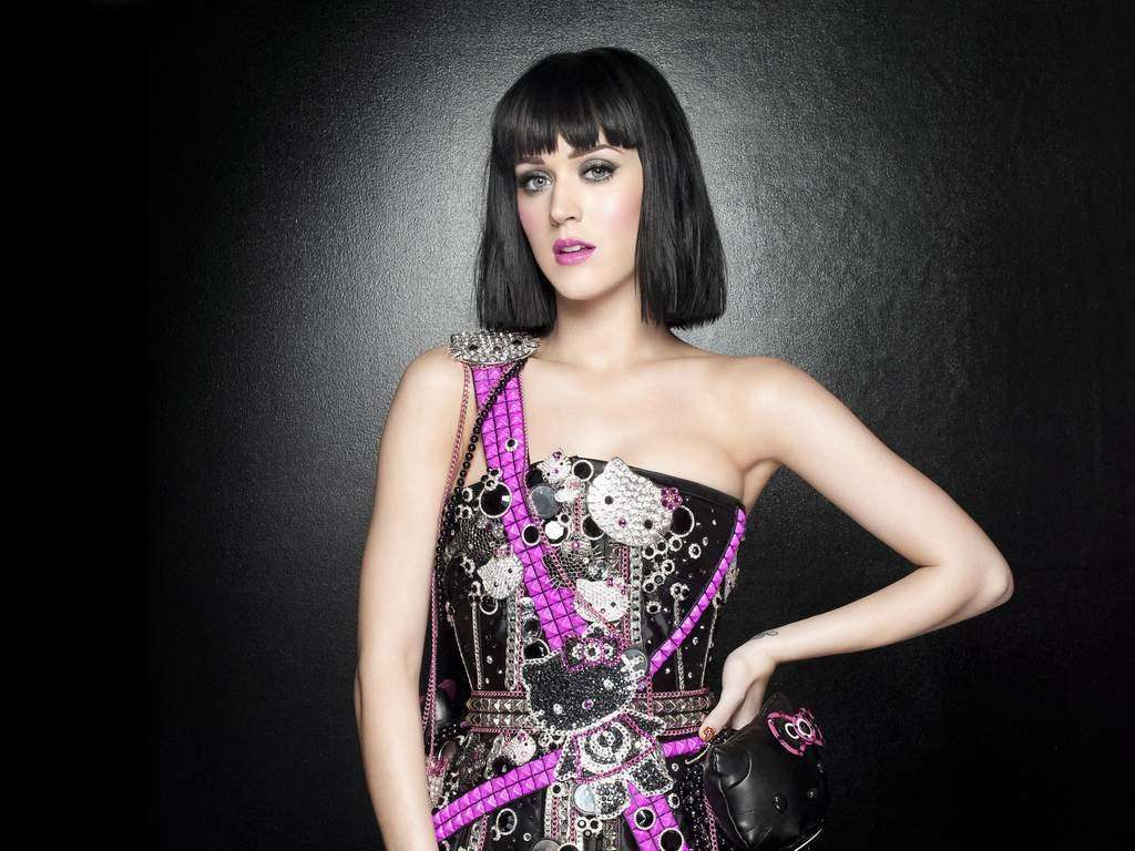 Katy Perry ed il look con Hello Kitty