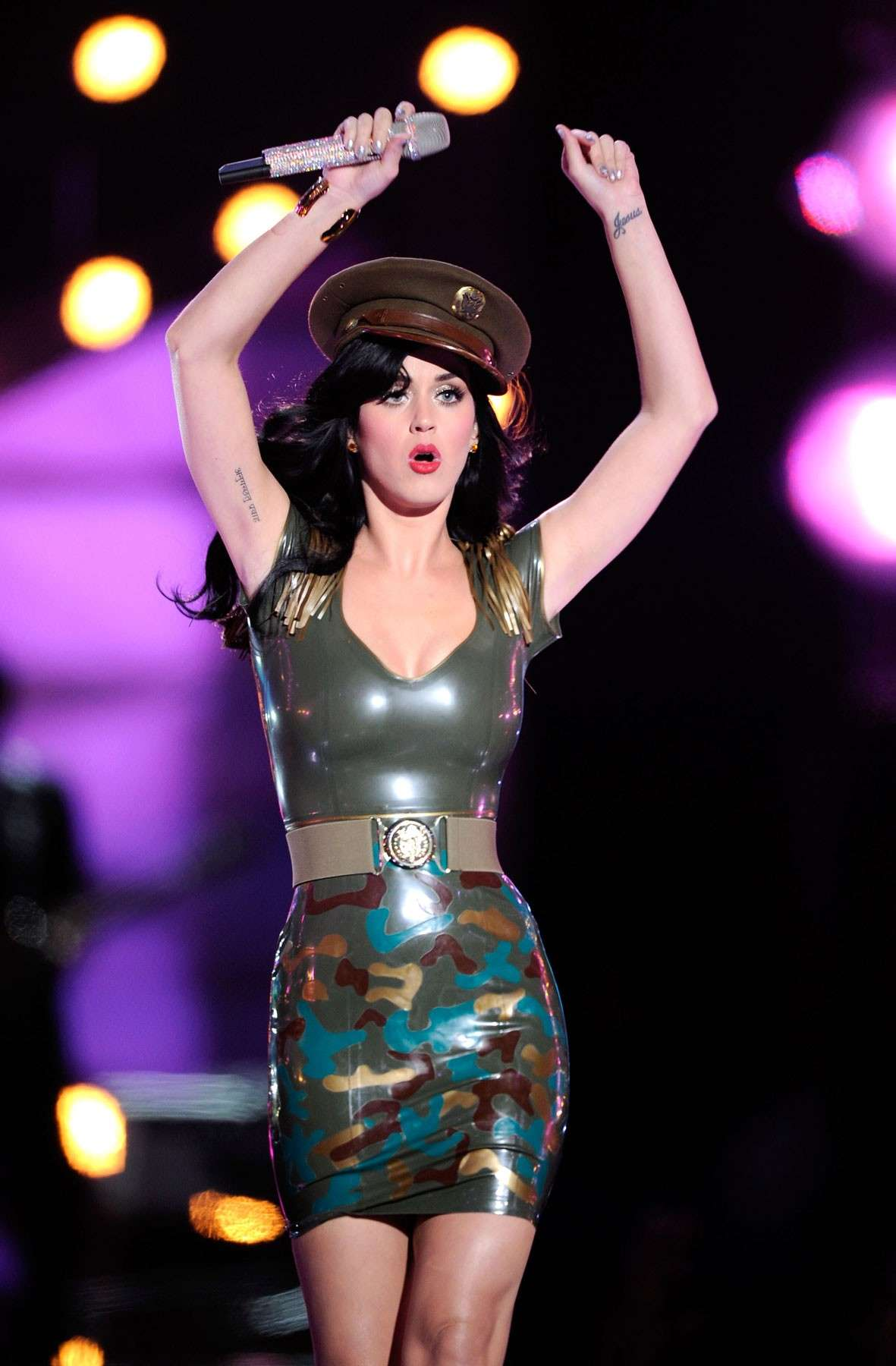 Katy Perry ed il vestito in lattice