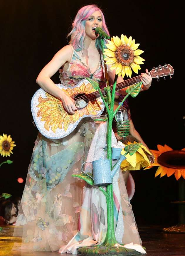 Katy Perry ed il look hippie