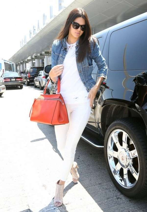 Kendall Jenner con look total white