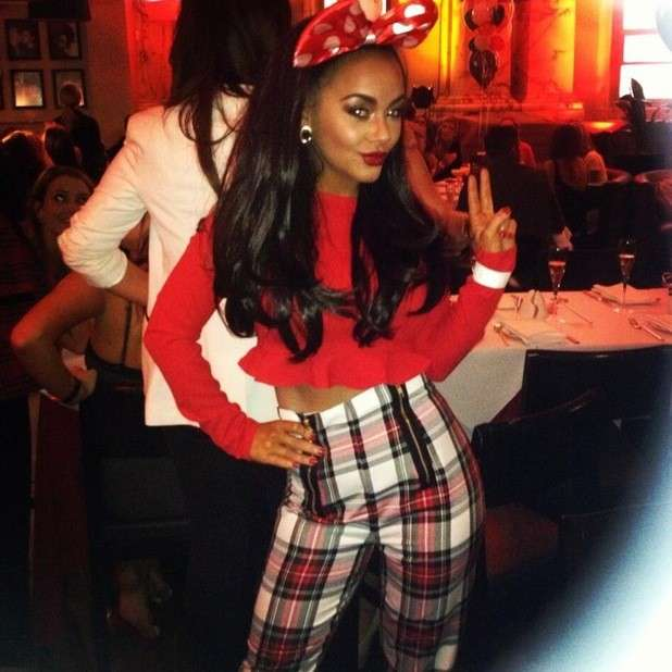 Chelsee Healey con fiocco di Minnie