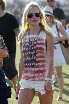 Kate Bosworth con t-shirt a stelle e strisce