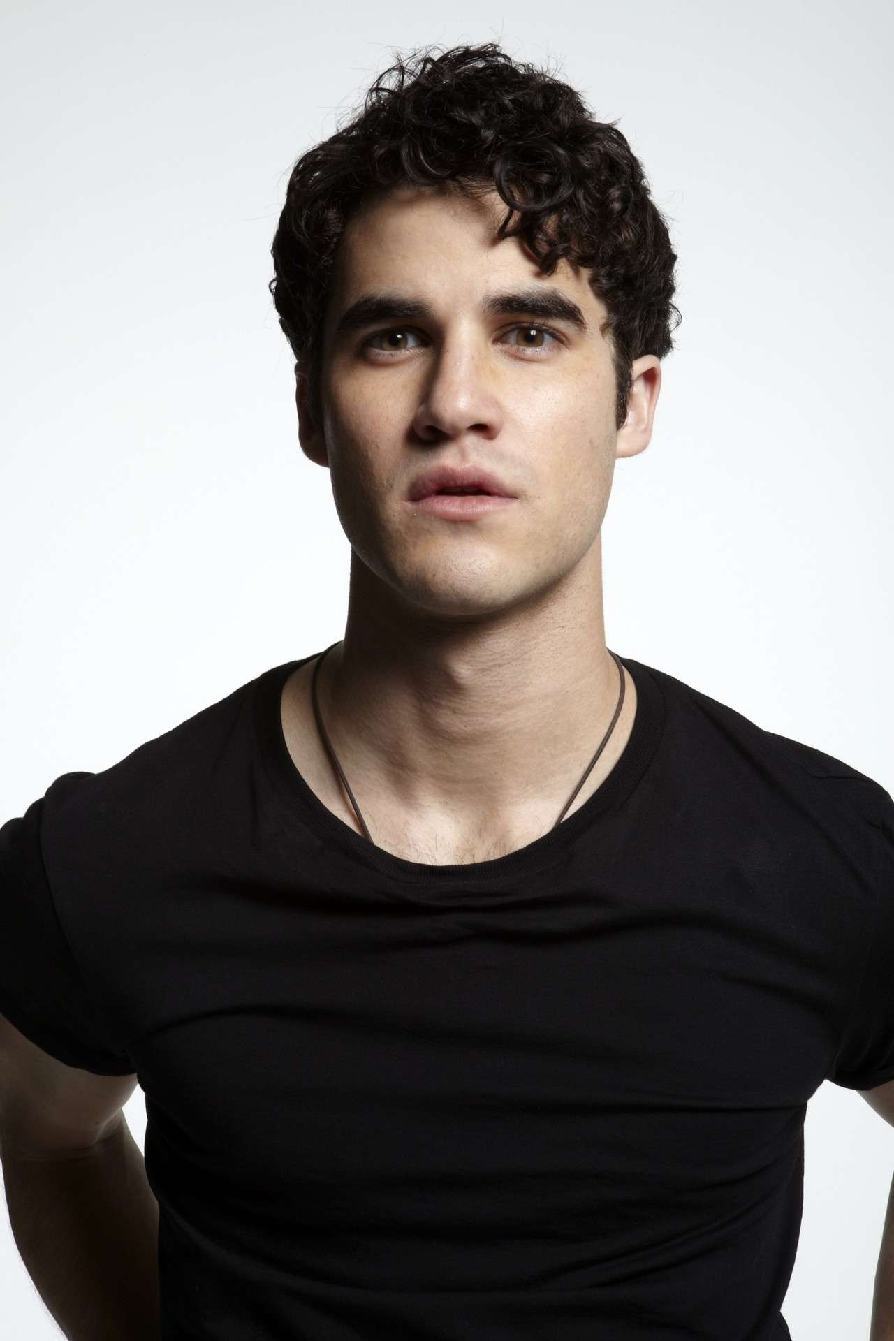 Look casual di Darren Criss