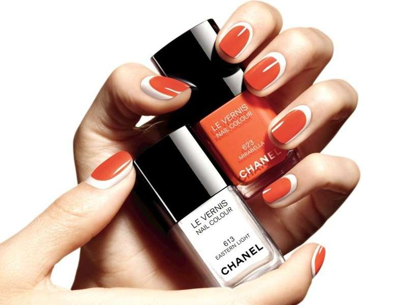 La reverse french manicure di Chanel