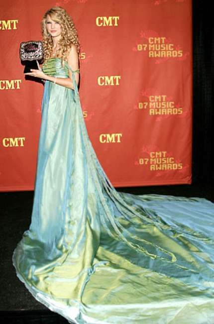 Taylor Swift in abito blu
