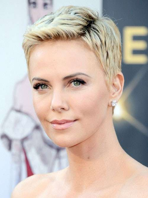 Pixie cut di Charlize Theron